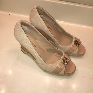 Arturo Chiang wedge heel shoes